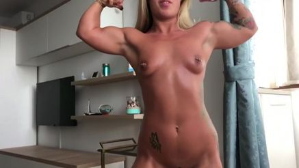 amateur muscle girl home video voyeur video
