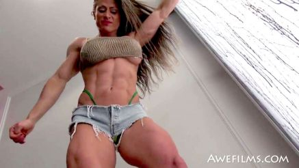 maria garcia massive legs and tight abs