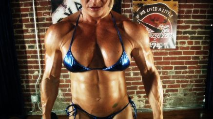 female bodybuilder contest sharp thick pecs