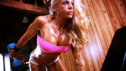 Jill Jaxen amazing oiled up female muscle dumbbell workout