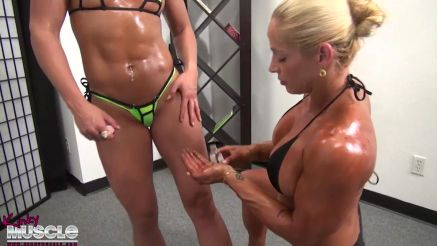 Jill Jaxen rubbing oil on hot babe