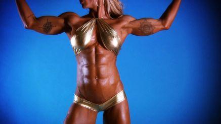 Jill Jaxen showing off hard ripped body