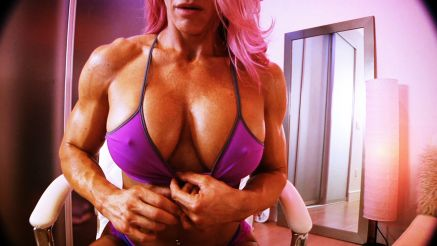 webcam video of female bodybuilder jill jaxen