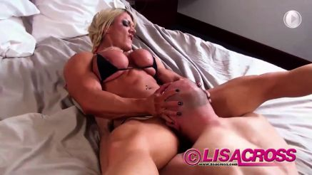 female bodybuilder lisa cross femdom guys head in pussy