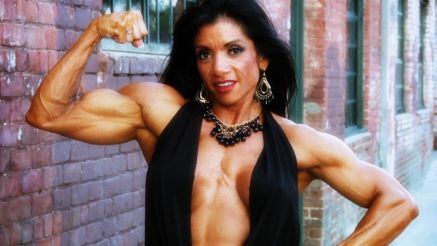 Marina Lopez flexing huge bicep