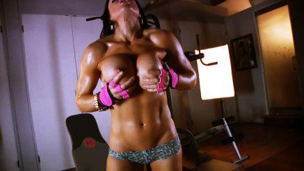 big tits fitness model samantha kelly workout