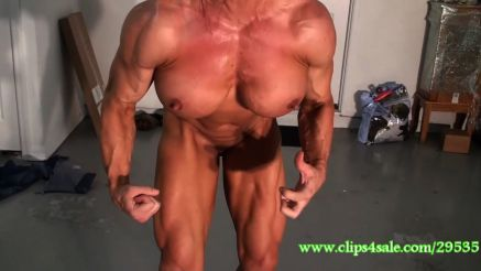 she hulk massive naked muscle pec flex