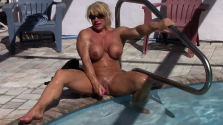 muscle MILF kathy connors masturbation