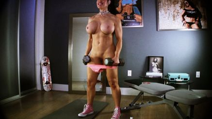 xxx full nude fitness model workout