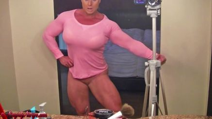 fbb Nuriye Evans strong muscle babe with no pants show showing off legs
