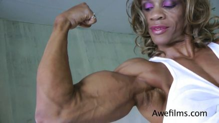 Kim Buck huge ripped and vascular quads