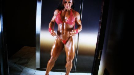 thick female muscle bodybuilder monica martin