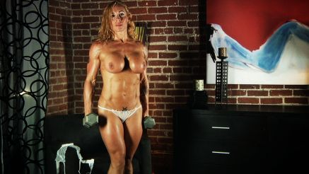 Victoria Lomba super vascular pecs and shoulders.