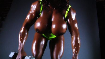 Yvette Bova thick and muscular workout