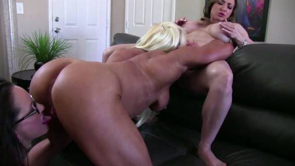 amazing hot muscle girl trio riding hard cock
