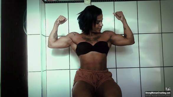 sexy biceps flex