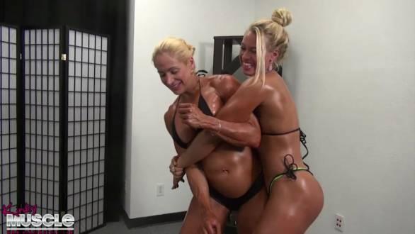 Jill Jaxen and muscel girl Diva oil wrestling