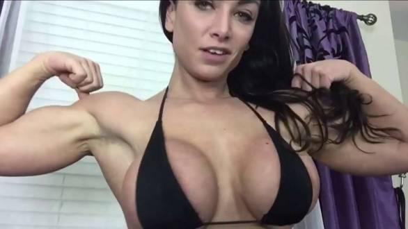 amateur muscle girls home webcam workout