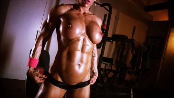 fbb Jill Jaxen showing off her rock hard muscle