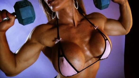 female bodybuilder Maria Garica huge tits workout