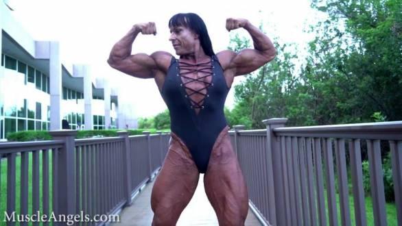 she hulk showing off ripped muscular body