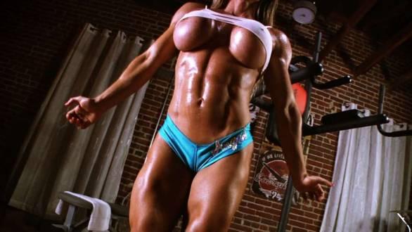 amazing underboob muscle girl maria garica