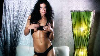 Maria Daniels looks crazy hot.