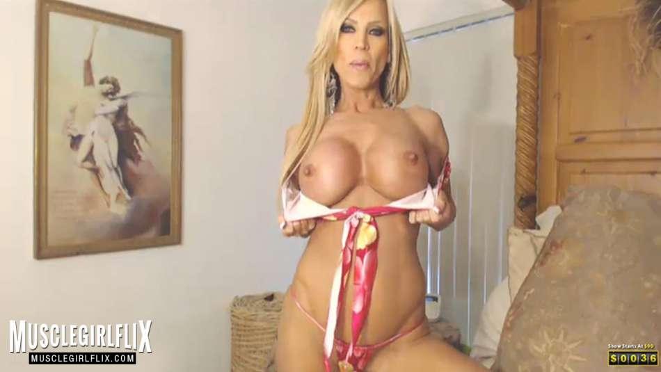 AmberLynnXXX hot cam babe big round boobs