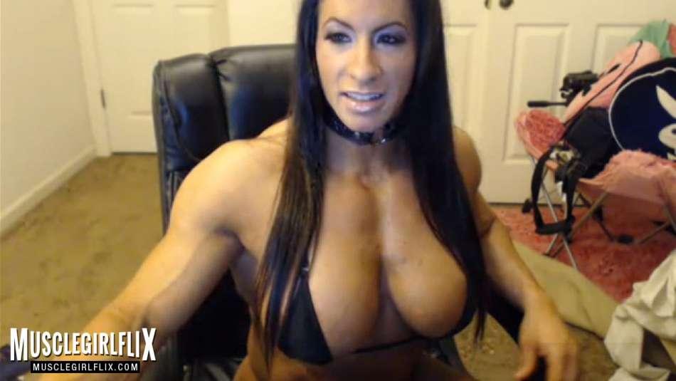 webcam muscle girl