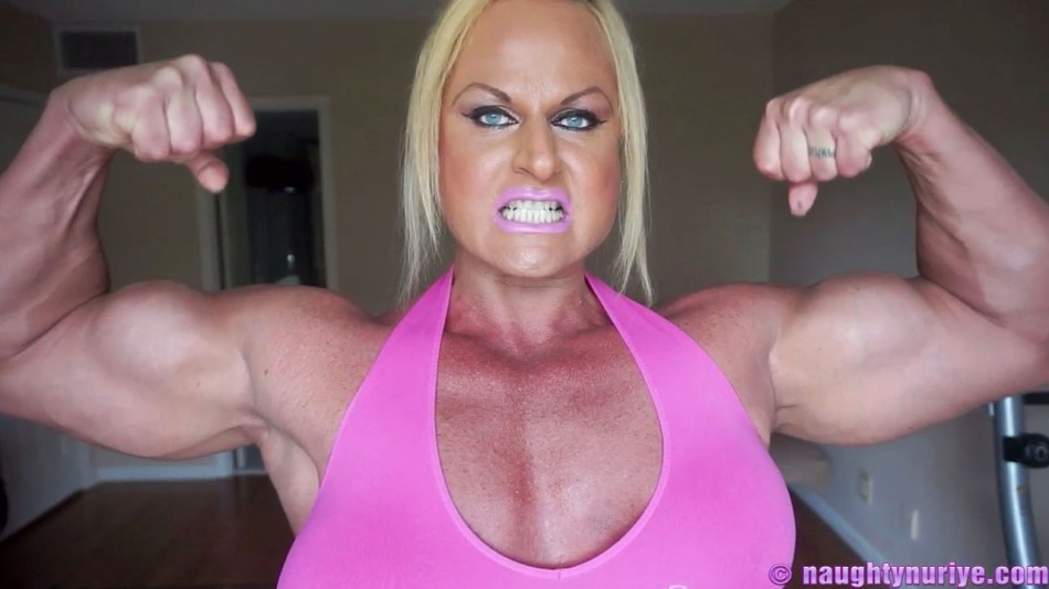 Nuriye Evans looking buff in pink