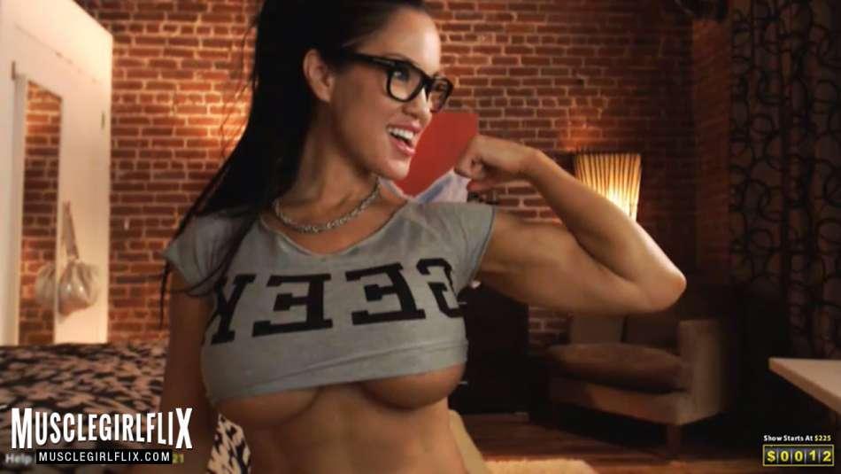 Samantha Kelly crazy hot underboob