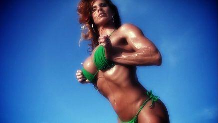 Anna C buff muscle MILF.