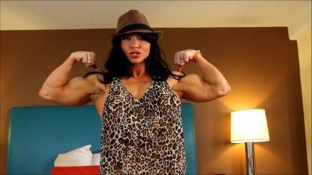 Brandi Mae doing cruches with sexy under boob