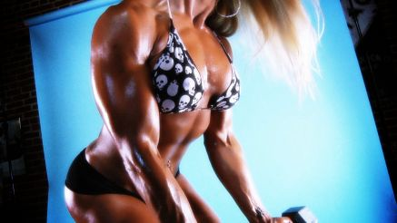 Jill Jaxen working out her arms.