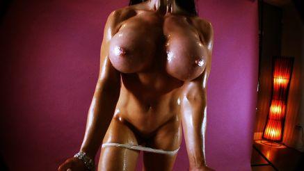 Samantha Kelly flexing her huge boobs abd pec muscles.